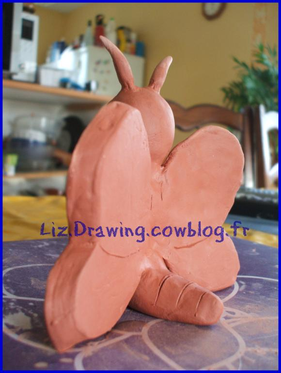 http://liz.drawing.cowblog.fr/images/dessinspublies/DSCF4452.jpg